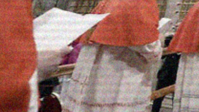 EXCLU ! Des cardinaux se filment à l'intérieur du conclave avec le pape François 1er